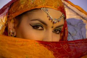 המדריך לחינה: איך להפיק חינה מרוקאית אותנטית במינימום מאמץ