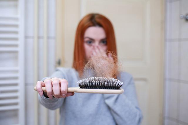 סובלות מנשירת שיער? אפשר לטפל בזה לפני היום המאושר שלכן