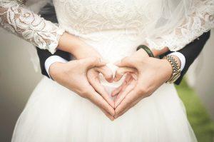 """חתונה אזרחית בחו""""ל: המדריך המלא לבירוקרטיה"""